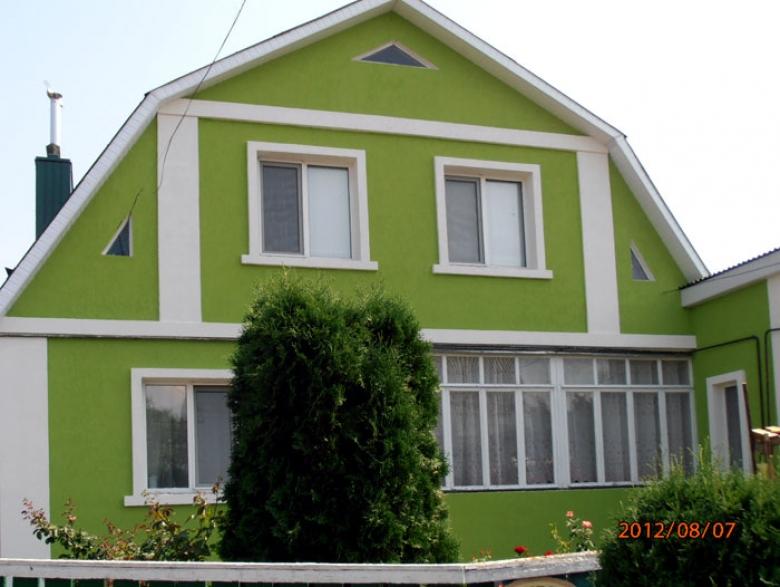 Зеленый фасад дома фото
